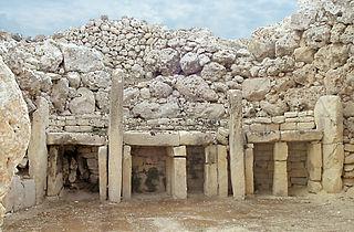 Temple de Ggantija, niches dans abside.